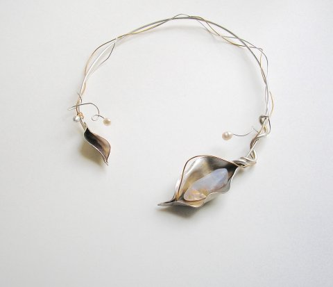 Sunflower - zilveren collier met opaal - Collier