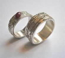 Zilveren trouwringen - stoer en strak- uniek ontwerp