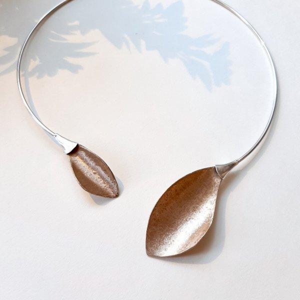 Folha Dourada II - Collier met brons en zilver -