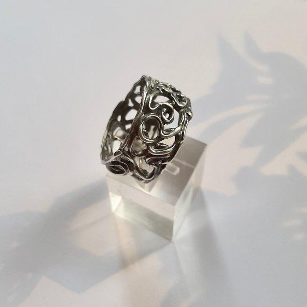 Franqueza 4 - Opengewerkte zilveren ring -