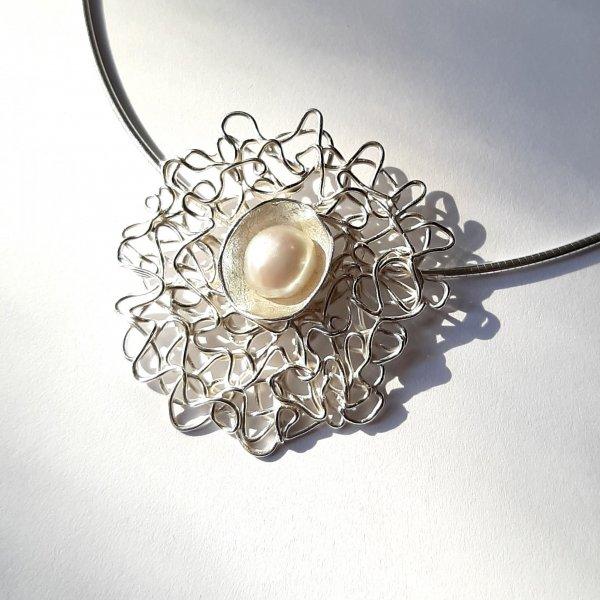 Light - Zilveren hanger met parel -