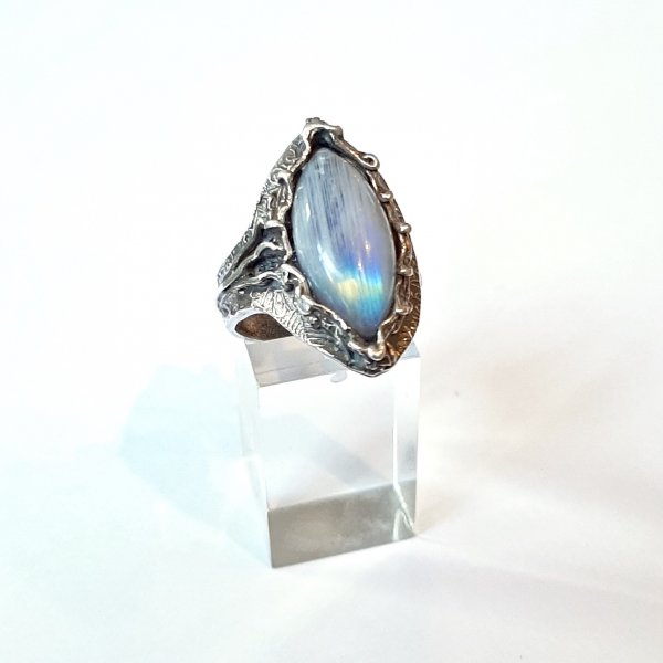 Luna - Zilveren ring met Maansteen -