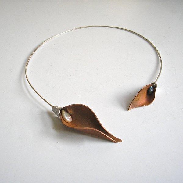 Calice - Zilveren spang met koper en parel -