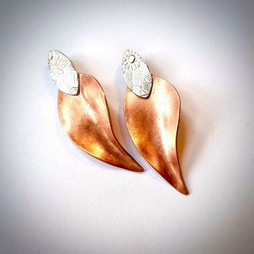 Autumn leaves - oorbellen met koper en zilver -