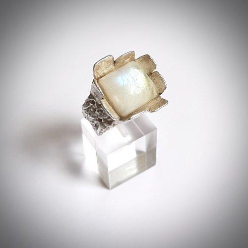 Castello - Zilveren ring met Maansteen -