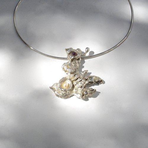 Flamenco - Zilveren hanger met parels -