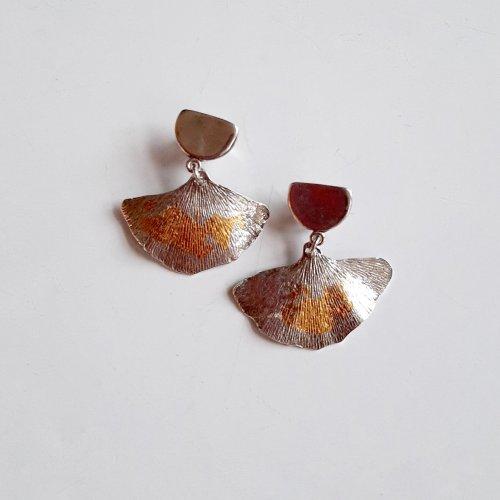 Ginko - Zilveren oorhangertjes met goud -