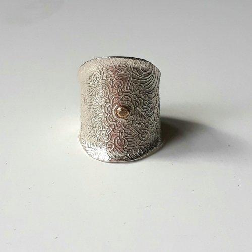 Principessa - Ring zilver met saffier in gouden zetting -