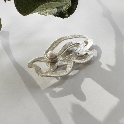 Viragesss- Zilveren broche -