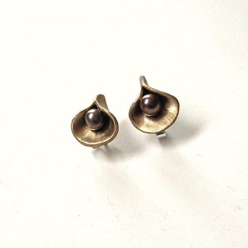 YmKe YmKe - Bronzen oorstekertjes -